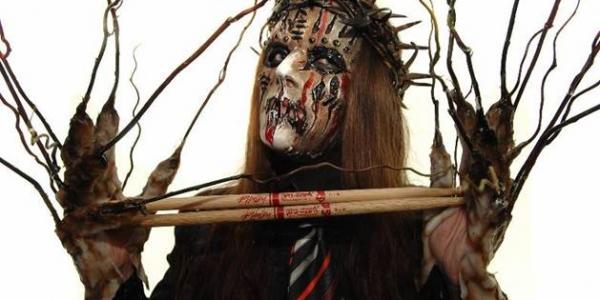 Joey Jordison (Slipknot) a signé des baguettes Pro-Mark qui seront dispos à partir du 15 mai