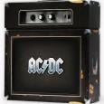 AC / DC nous sort un coffret . Pas n'importe quoi , il s'agit d'un coffret retraçant la discographie du groupe avec 3CD de titres rares d'ACDC, 18 titres dont...