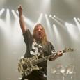 Slayer qui poursuit sa tournée vient de publier via Facebook de nouvelles photos live. De bonnes photos qui montrent toute l'énergie et la présence du groupe sur scène Le reste...