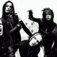 Murderdolls le groupe de Joey Jordison de Slipknot,  nous offre un petit live de «Chapel of Blood» tiré de l'album «Women and Children Last». Une vidéo à voir ici