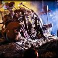 Avec quelques jours de retard je vous annonce la sortie du nouveau clip de Disturbed pour l'album «Asylum» et sur le titre «The Animal». De plus, les photos de cet...
