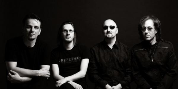 RoadRunner Records nous offre une petite vidéo live de Porcupine Tree lors de son passage au City Music Hall de New York le 24 septembre dernier. De plus, d'autres vidéos...