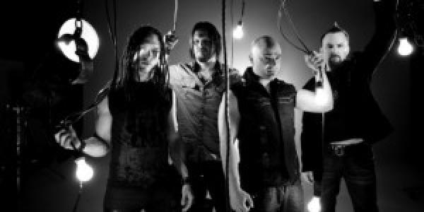 L'organisation du Hellfest 2011 annonce l'annulation de Disturbed. Le groupe a décidé d'écourter sa tournée Européenne et donc il fait l'impasse sur notre festival Français. Le nom du remplaçant sera...